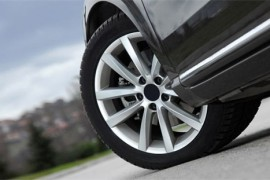 汽修知识:补过的轮胎,跑高速是否有爆胎的危险?